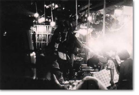 p_port_1978_night_shop