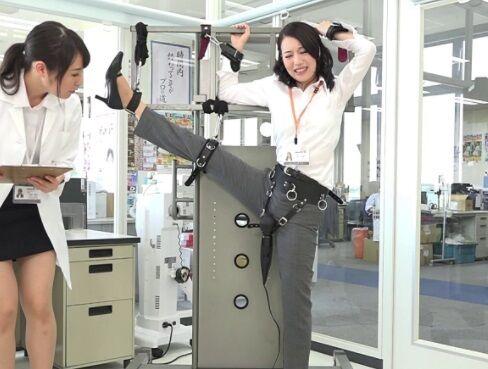 出勤してきたSOD女子社員に「何度イッても30分間、電マを当て続けた女はどうなるッ?」を実験してみたら・・・w