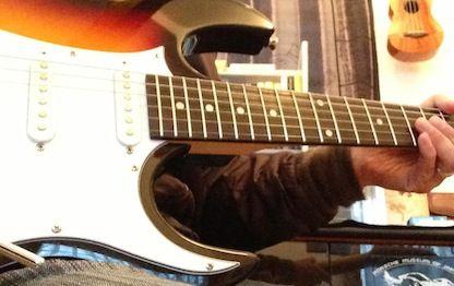 5万以上のギター買うやつ