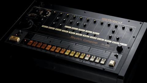 【楽器】音楽史を変えた名機Roland TR-808が40周年 | #808day に合わせ限定無料体験や特設ページも公開【リズムマシン】  [少考さん★]