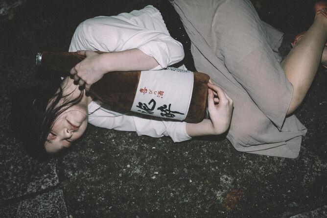 【悲報】酔ってる女友達に挿入してみたのがバレた結果wwwwwwwwww