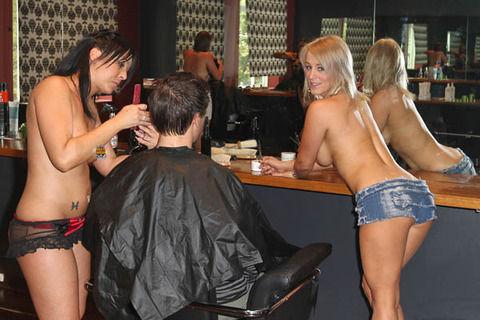 トップレス美容院