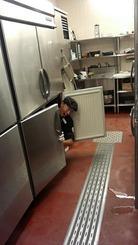 ブロンコビリーで冷蔵庫に入るアルバイト