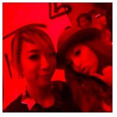 蜷川実花がブログに投稿した沢尻エリカとの2ショット