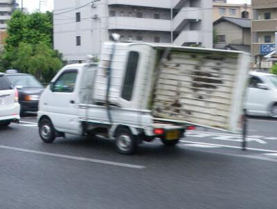 軽トラを運ぶ軽トラ