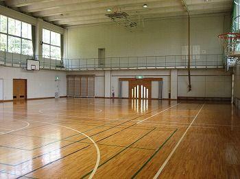 makisato-gymnasium