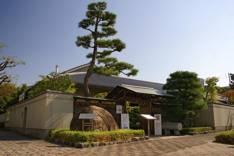 Ashiya_Tanizaki_Junichiro_Memorial_Museum01s3200