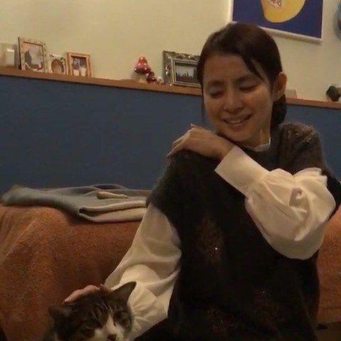 """石田ゆり子、""""人生史上最大の激痛""""でダウン 「辛そう」「ゆっくり休んで」など心配の声"""