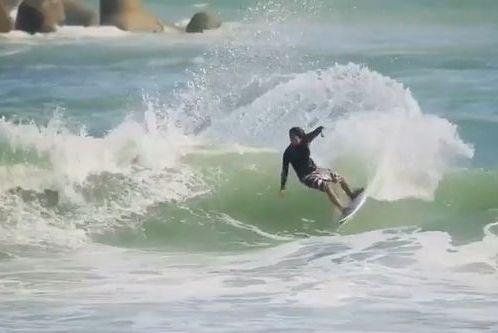 【動画】テラハ出身『佐藤魁(ガイ)』カッコイイ最新サーフィン動画♪