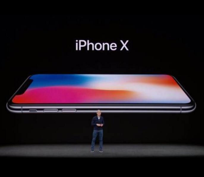 Apple、最上位モデル「iPhone X」発表も駆動時間伸ばせの声も。。。