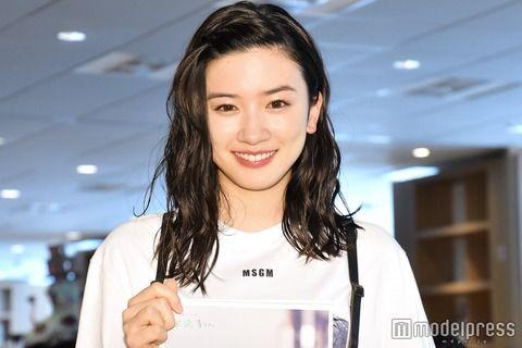 永野芽郁さんが、ロングヘアをバッサリカット 絶賛の声