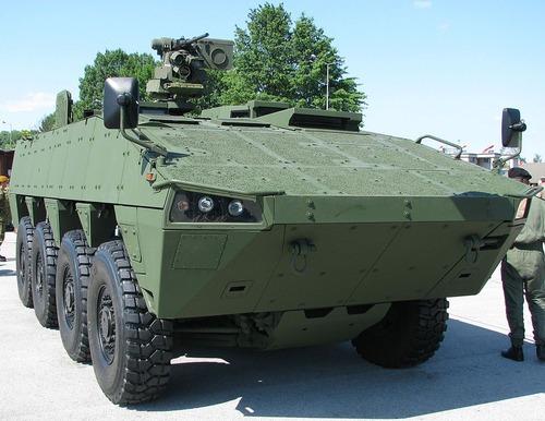 996px-Patria_AMV_Karlovac_2009_5