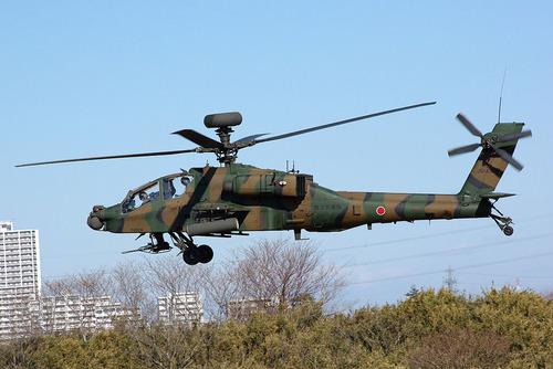 1024px-JGSDF_AH-64D_20120108-01