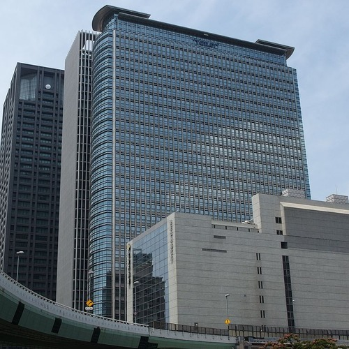 768px-Nakanoshima-Mitsui-Building_in_201407_002