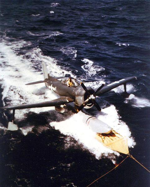 482px-USS_Alaska_(CB-1)_recovering_SC-1_recce_plane