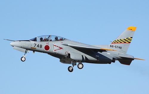 Kawasaki_T-4_Sotai_Shireibu_(cropped)