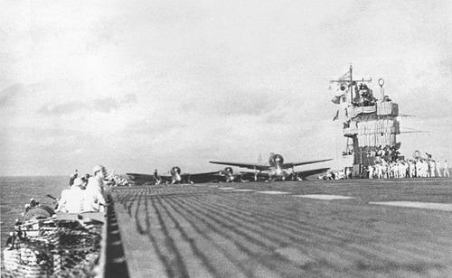 640px-Akagi_Pearl_Harbor_Second_Wave_Launch