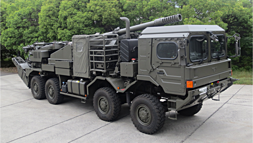JGSDF_155mm_wheeled_self-propelled_howitzer_prototype