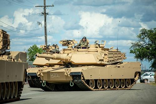 800px-M1A2_SEP_V3_Abrams_-_200721-A-BT735-349
