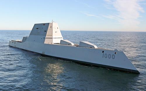 800px-Future_USS_Zumwalt's_first_underway_at_sea