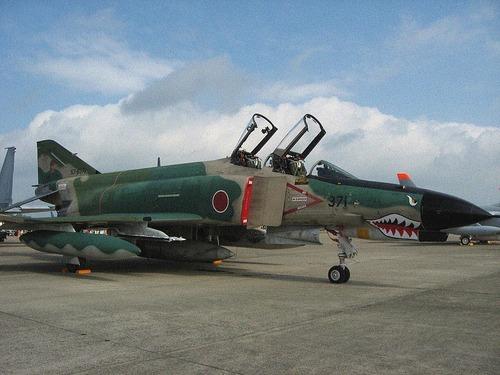 RF-4EJ_Kai_of_501st_squadron_at_Hyakuri_Air_Base_2007