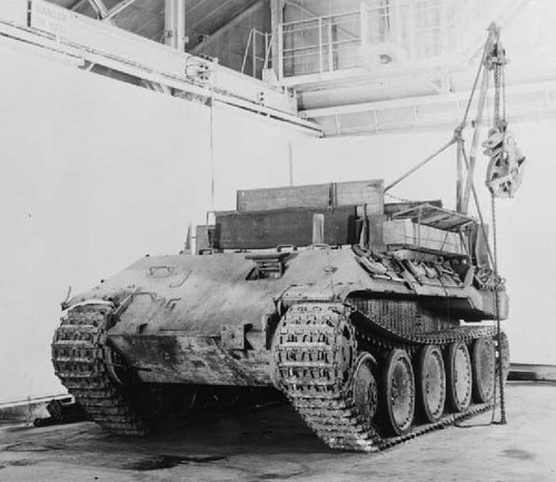 IWM_Bergepanther_front