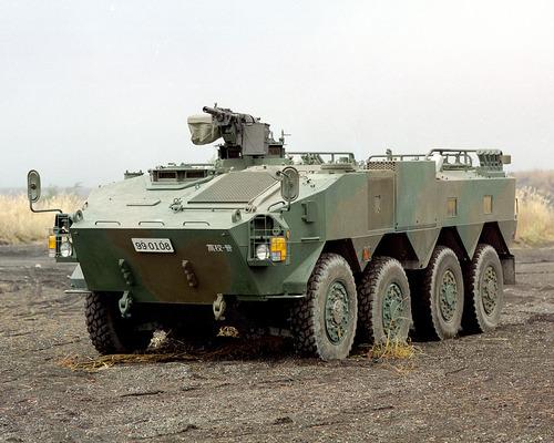 960px-96式装輪装甲車_(8464171563)
