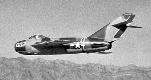 4477th_Test_and_Evaluation_Squadron_MiG-17F_in_flight