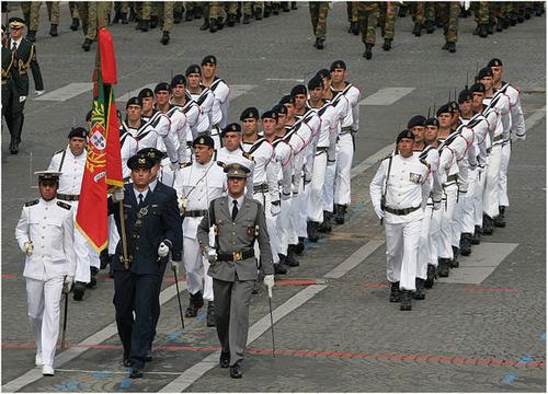 640px-Fusilliers_marins_Portugais