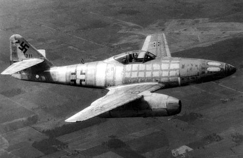 640px-Messerschmitt_Me_262_050606-F-1234P-055