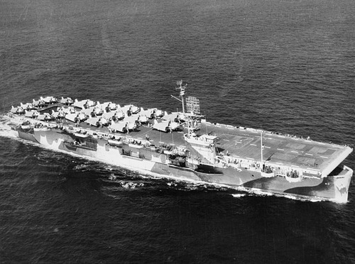 USS_Guadalcanal_(CVE-60)_underway_on_on_28_September_1944