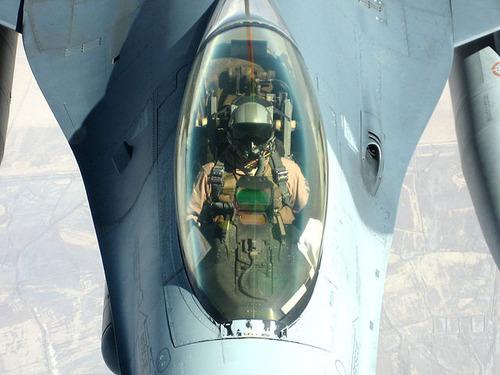 640px-USAF_pilot
