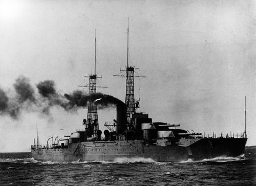 USS_Nevada_(BB-36)_during_running_trials