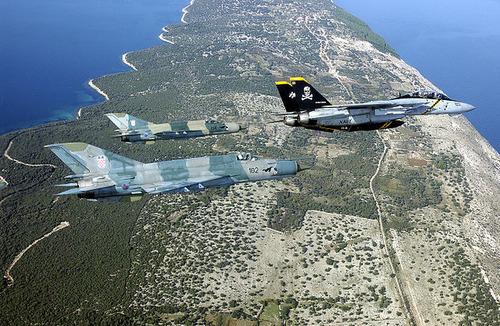 640px-MiG-21bis&F-14B-Croatia-2002-2