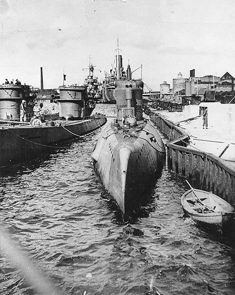 477px-U-3003