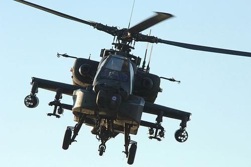 640px-AH-64_Apache_060224