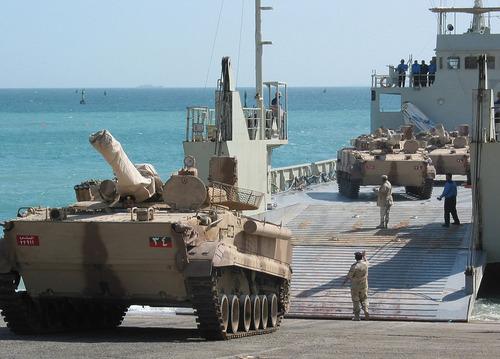 UAE_offloads_a_BMP3_Tank