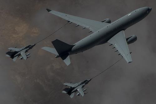 RAF_Voyager_KC2_refuels_two_Tornado_GR4