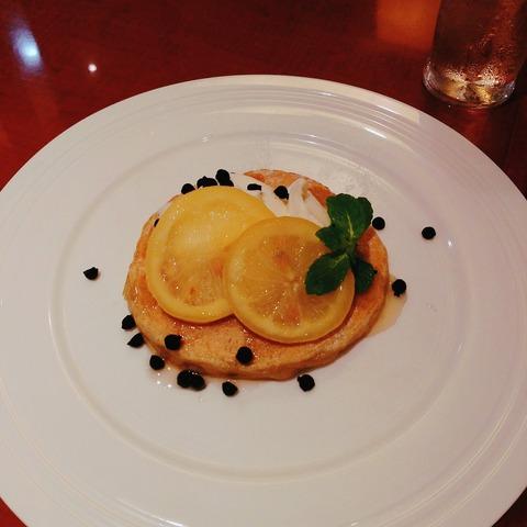 瀬戸内レモンのチーズムースパンケーキ