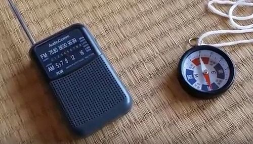 AMラジオと方位磁石