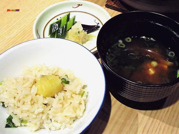 御飯/土鍋焚き込み (薩摩赤鶏・栗) ・ 留椀/赤出汁
