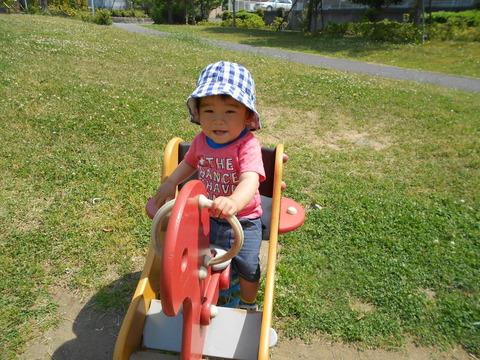 1歳児散歩とうやくん