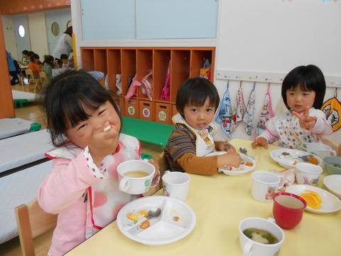 子どもの日給食姿5