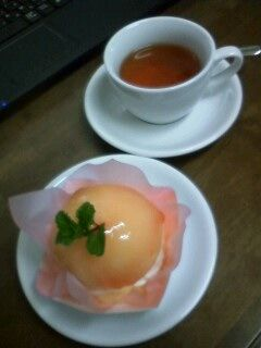 桃のケーキセット