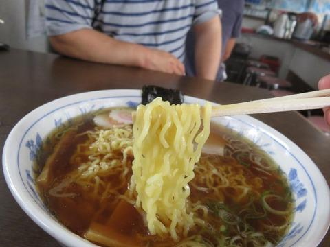 大野屋食堂 麺上げ