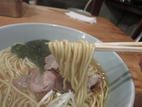 魚焚 ラーメン麺上げ