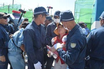 【沖縄】福島みずほ、道交法違反で強制排除され「怒りが込み上げた!」と逆ギレwwwww