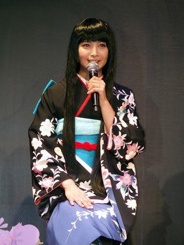 着物を着た加藤夏希
