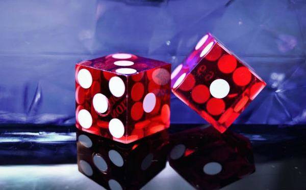 red-dice-1024x681