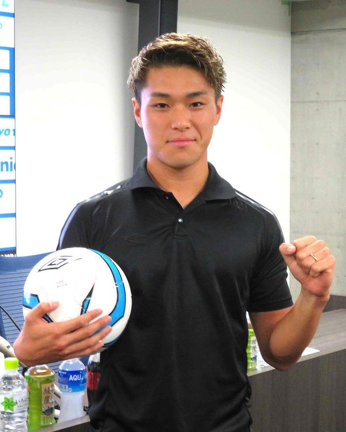「マンCで活躍することが目標!デブライネの高速クロスに合わせてみたい!」by 食野亮太郎